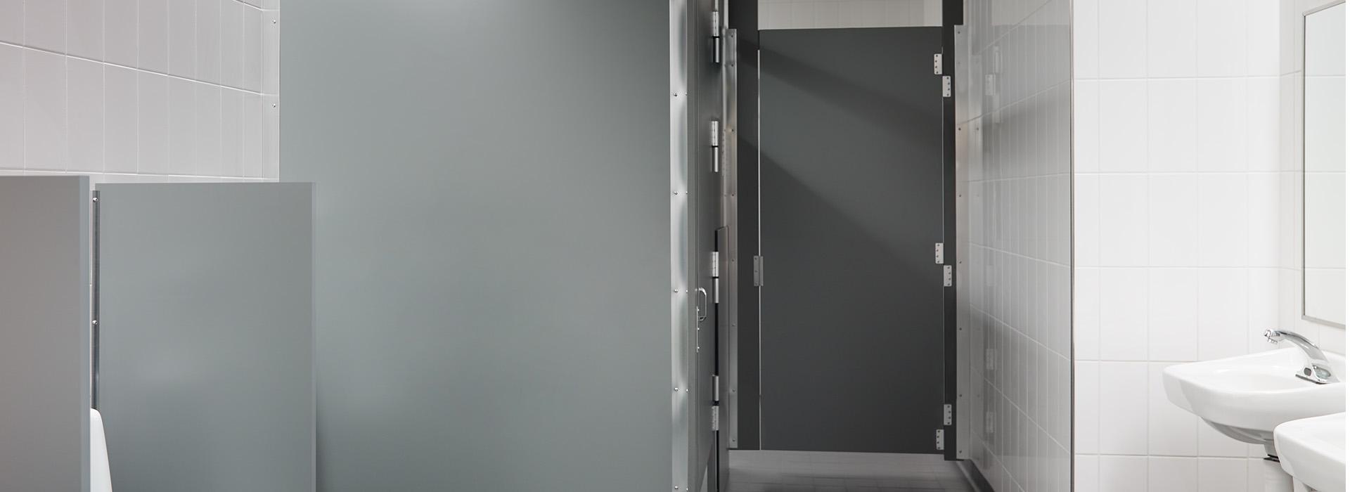 Restroom partitions 928 Mouse ColorCore2 Compact
