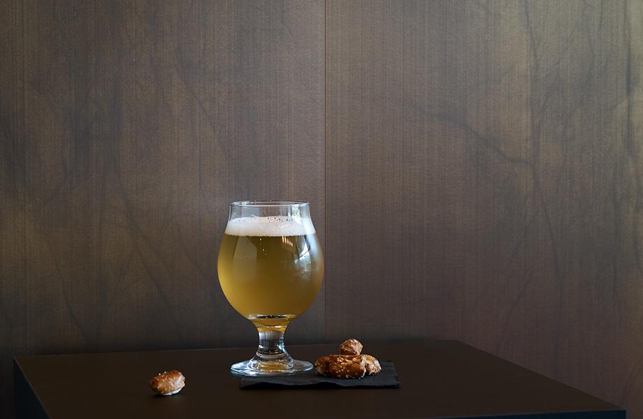 Beer glass and pretzels M8547 Oxibronze DecoMetal