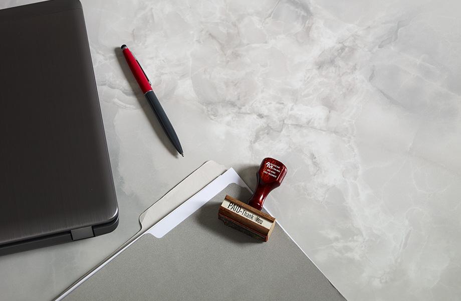 HPL table Formica® Laminate 7409-43 Gray Onyx, table en Stratifié de marque Formica® Gris Onyx