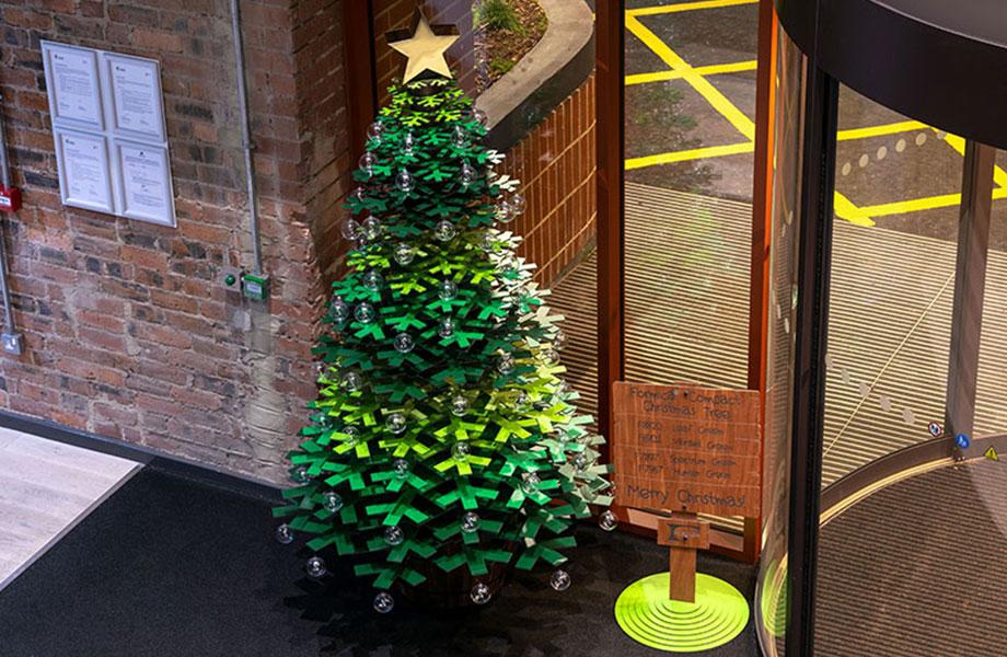 Xmas Tree 920x600