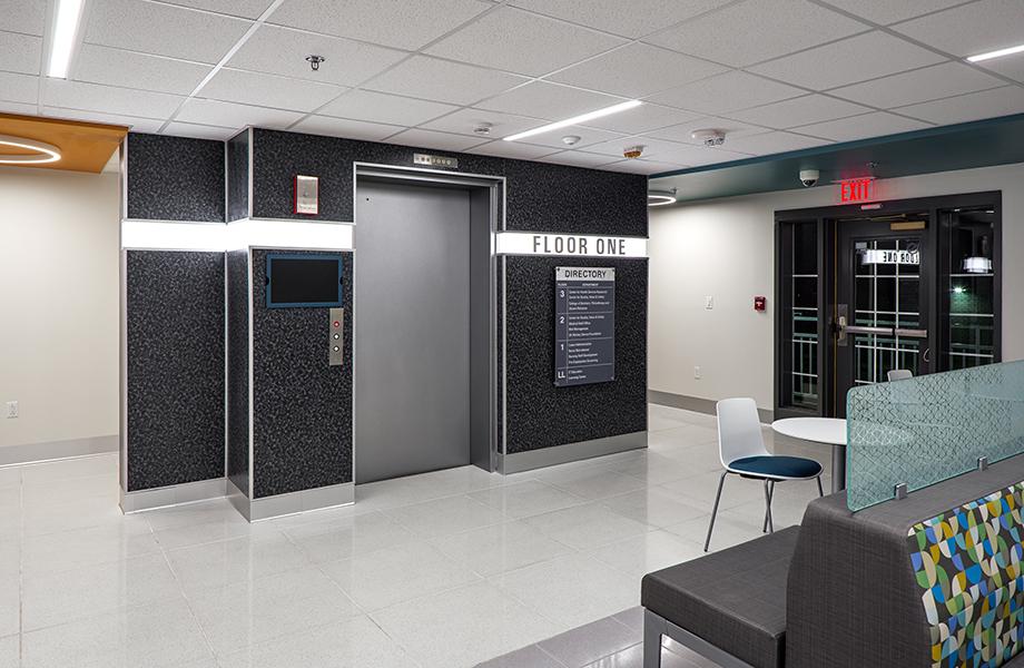 UK Inn Elevator entrance