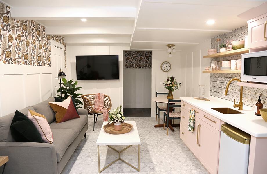 Virginia Fynes Airbnb big room