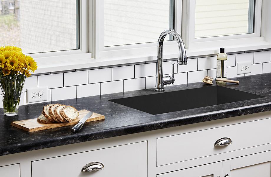 Black Bardiglio laminate kitchen countertops