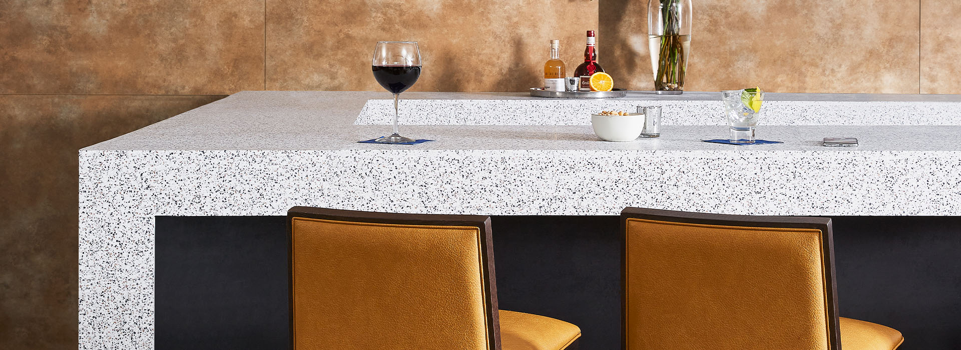 412 Dalmata Terrazzo Matrix table with drinks and stools