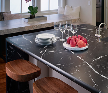 Apples on breakfast bar countertop 7403 Nero Marquina 180fx