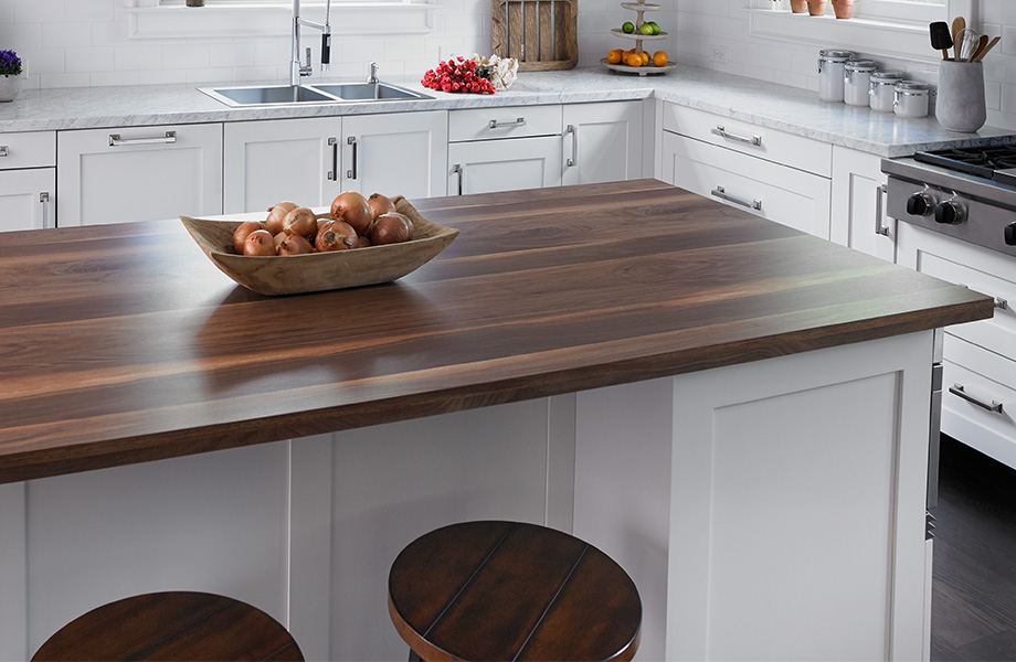 Onions on kitchen island countertop 9479 Wide Planked 180fx