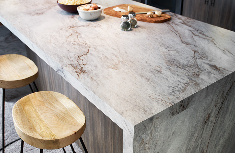 Sea Pearl hails from the northeastern region of Brazil, taking its name from the water and pearls of the nearby sea. This quartzite and the natural pearls for which it's named both begin as grains of sand that evolve into something beautiful. This pattern lives up to its marine-inspired name with wave-like elements that create a tranquil effect.