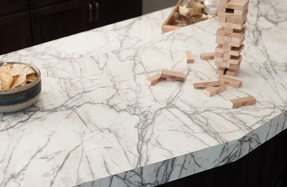 Kitchen island countertop with chips 9536 Quartzite Bianco 180fx