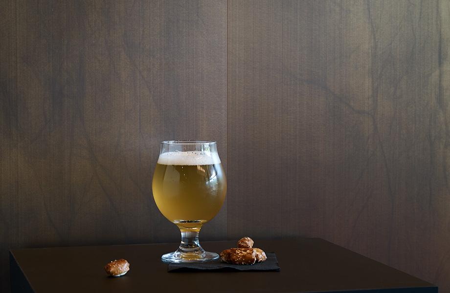 Beer glass and pretzels M8547 Oxibronze DecoMetal
