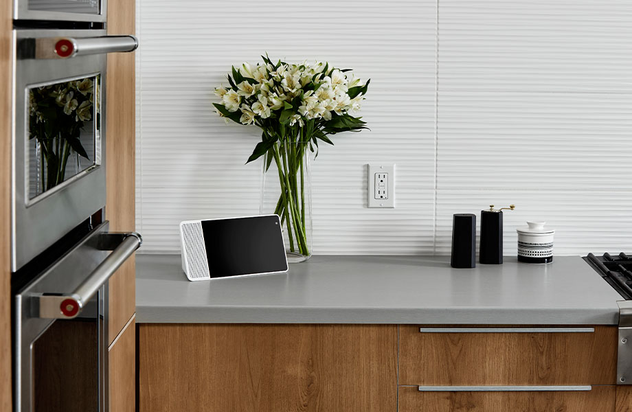 9319 BH Stainless countertop with 9312 NG Planked Urban Oak cabinets