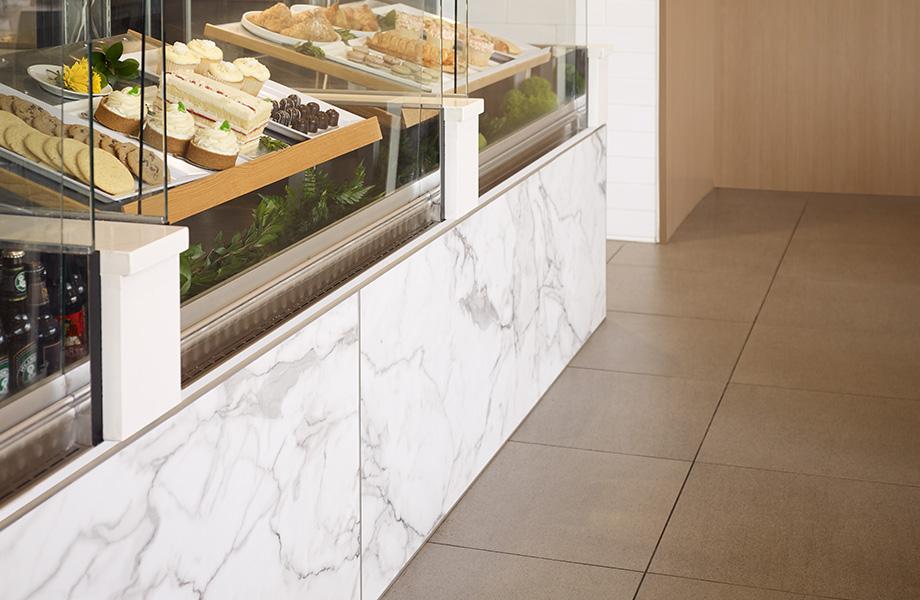 HardStop Panneaux de protection décoratifs du Groupe Formica 3460 Marbre Calacatta Vitrine de la boulangerie