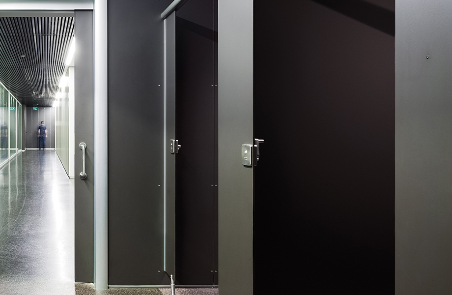 Washroom F2253 Diamond Black video 920x600