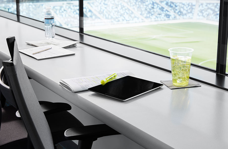 416 Luna Pewter press box with tablet