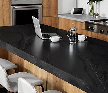 5015 11 Black Painted Marble with laptop