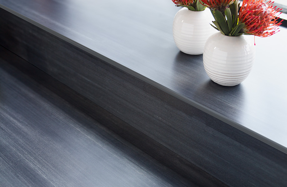 Countertop with flowers 8918 Blackened Steel ColorCore2 Compact