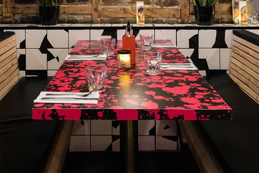 Fugazzi Pizza à Montréal avec le stratifié personnalisé Formica Envision™