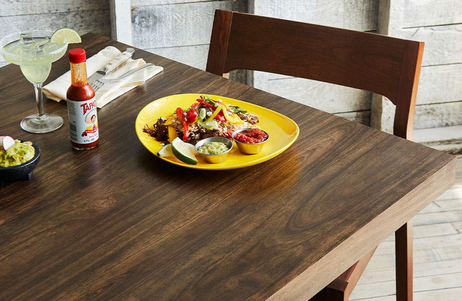 5783 NG Antique Mango restaurant table with taco