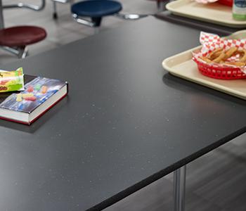 Stratifié de marque Formica® 9685-58 Papier Kraft Recyclé Noir 780 Luna Pierre 8243-58 Nuances Nocturnes
