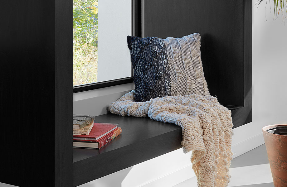 8552 NG Black Birchply windo seat with blanket and pillow