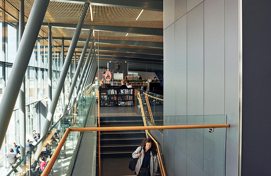 3 Bergen Airport 920x600