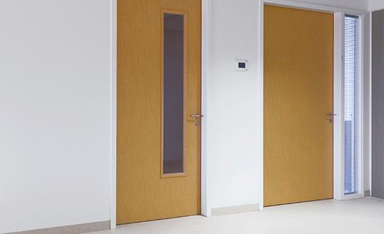 Door Card 540x330